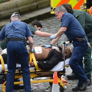 Polícia prende sete e reduz número de mortos a 4 no ataque de Londres