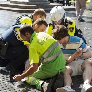 'Ficamos 30 min tentando reanimá-lo', conta enfermeiro em Barcelona