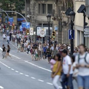 Repórter do UOL relata abrigo em loja durante atentado em Barcelona