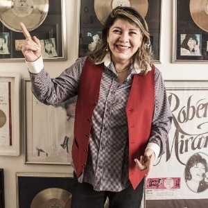Roberta Miranda diz que amou   muito, mas foram poucas pessoas