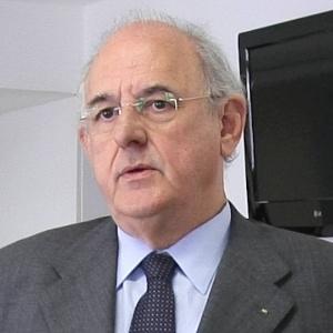 Nelson Jobim diz que não sai candidato caso Temer caia