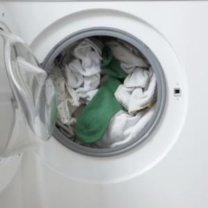 Sabe lavar roupa direito? Ter noções de física e química ajudam lavagem