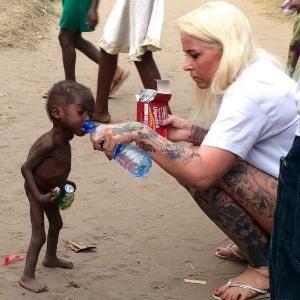 Acusadas de bruxaria, crianças são torturadas e abandonadas na África