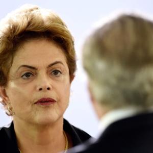Preocupada com crise, Dilma diz que 'tudo isso é muito ruim' para o país